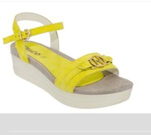 Igi&Co  Sandalo giallo