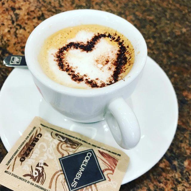 Buongiorno! Ecco come combattere stanchezza e stress  caffeecacao coffeetimehellip