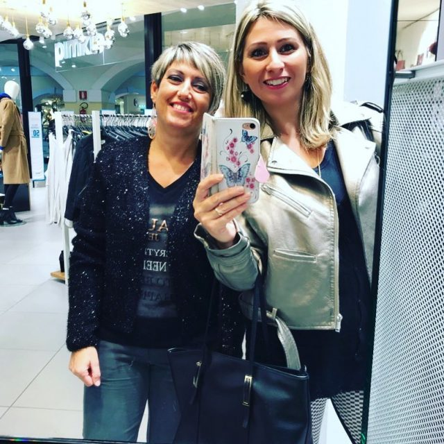 E indovinate chi ha fatto acquisti? shoppingserale selfieitalia igers fiumarahellip